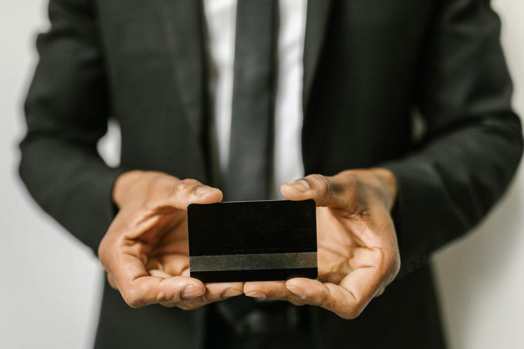 クレジットカードで納税するデメリット