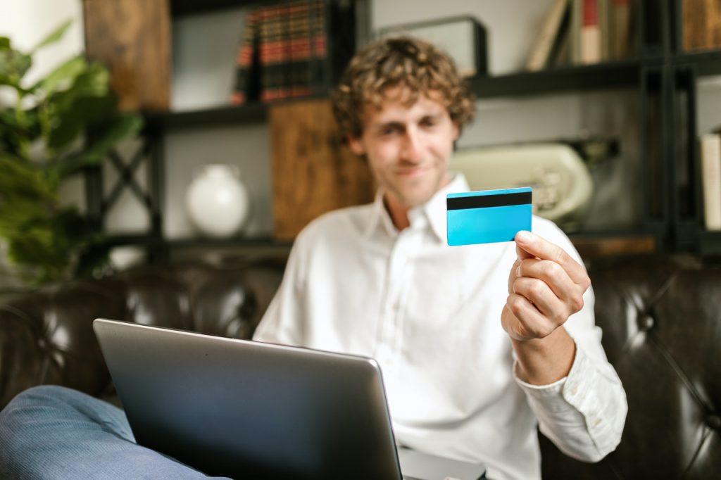 クレジットカードで納税する方法