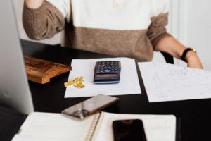 個人事業主が経費にできるものとは?上限や割合なども詳しく解説